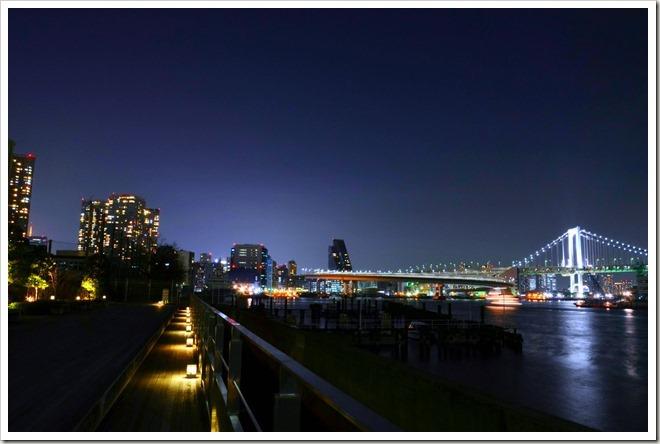 東京湾・レインボーブリッジ