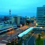【第37回福井マラソン】大会当日の朝!福井駅前の様子。雨降ってない、風も吹いていない。(5:45現在)