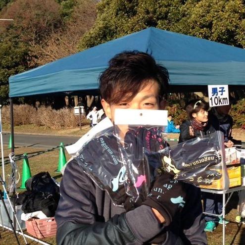 年忘れマラソン2014 in 庄内緑地公園の参加賞 ランニンググローブ